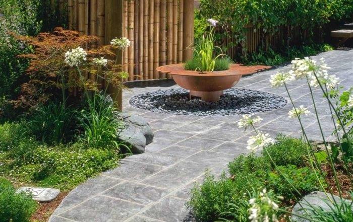 Garden & sculptural bog planter / Novato