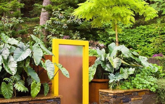 Garden fountain / San Rafael